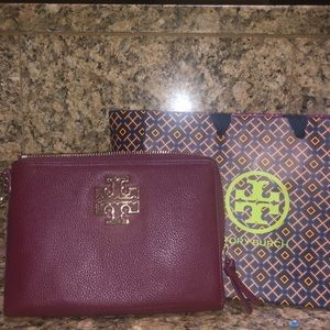 Tory Burch Zip Wristlet
